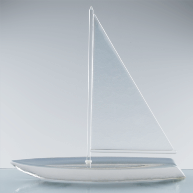 Sailboat with swiveling sail